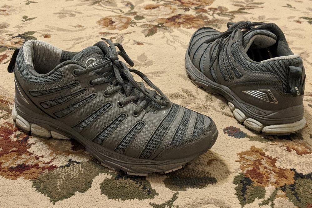 -- Sapatos Esportivos Confortáveis