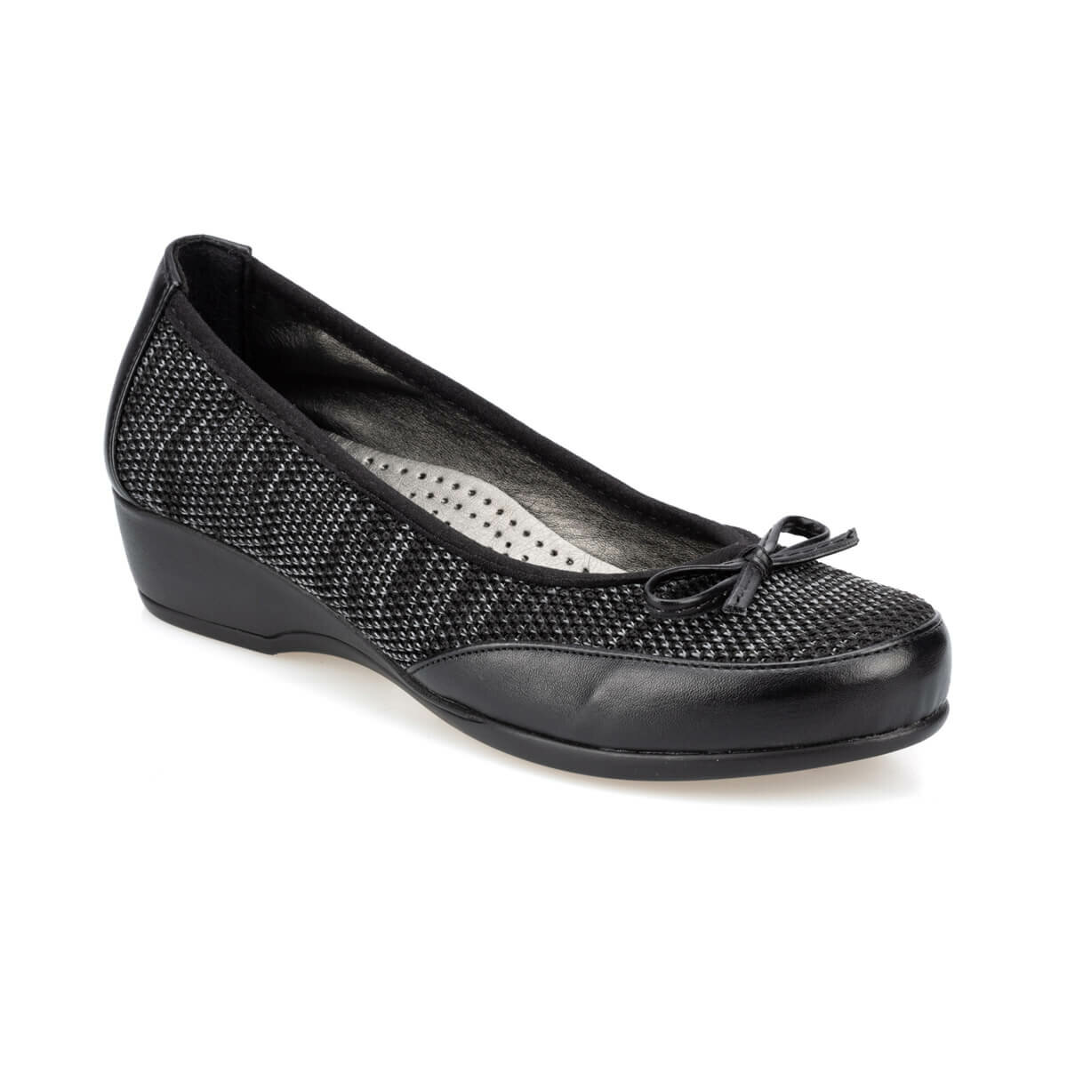 FLO 91. 150667.Z Black Women Shoes Polaris