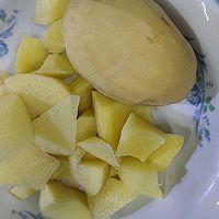 鲍鱼炖土豆的做法图解1