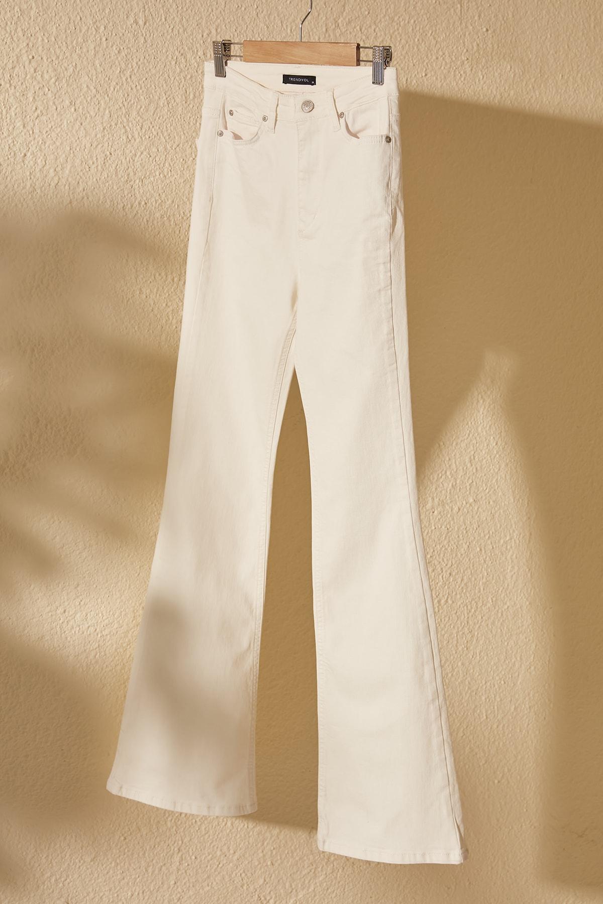Trendyol High Waist Flare Jeans TWOSS20JE0442