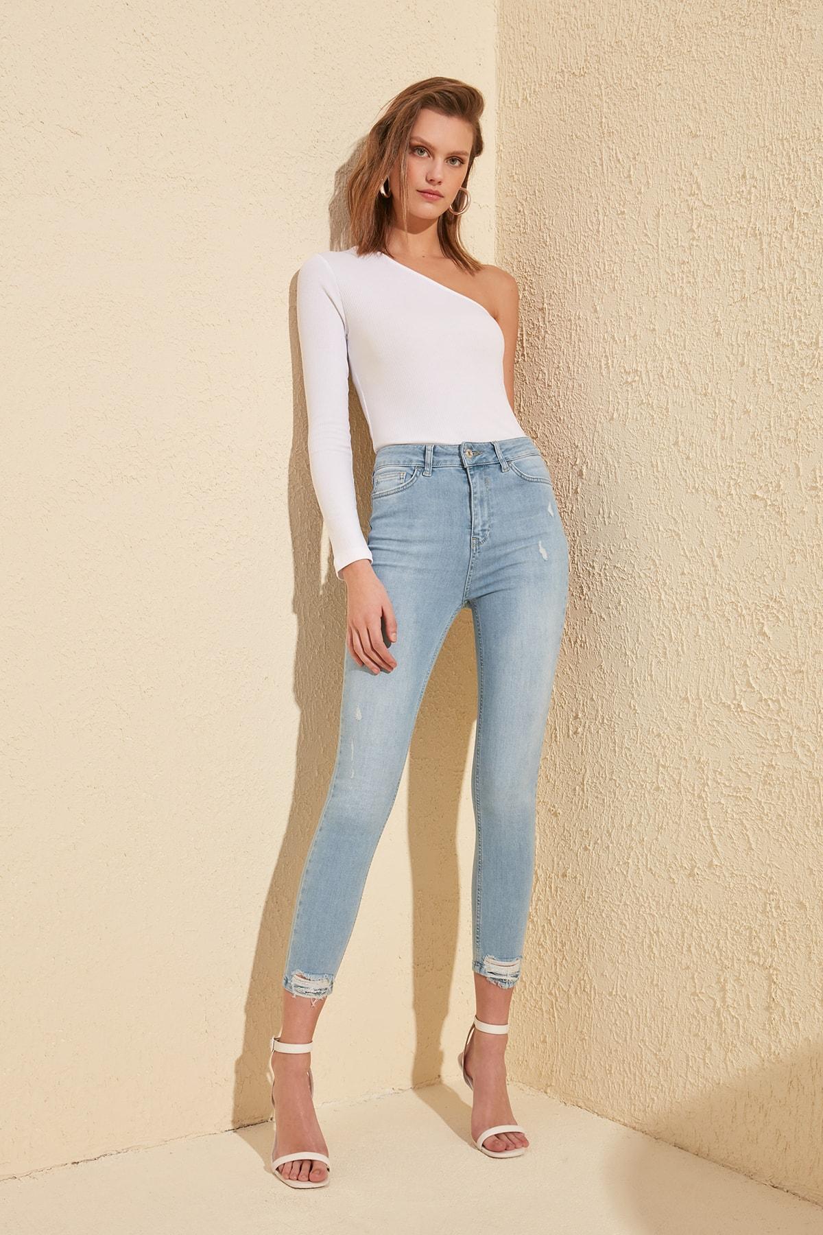 Trendyol Ripped Detailed High Waist Skinny Jeans TWOSS20JE0062