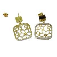 Pendientes de oro amarillo y blanco de 18K cuadrados 1.60cm por 1.60cm lleno de flores con 2 circonitas de la mejor calidad