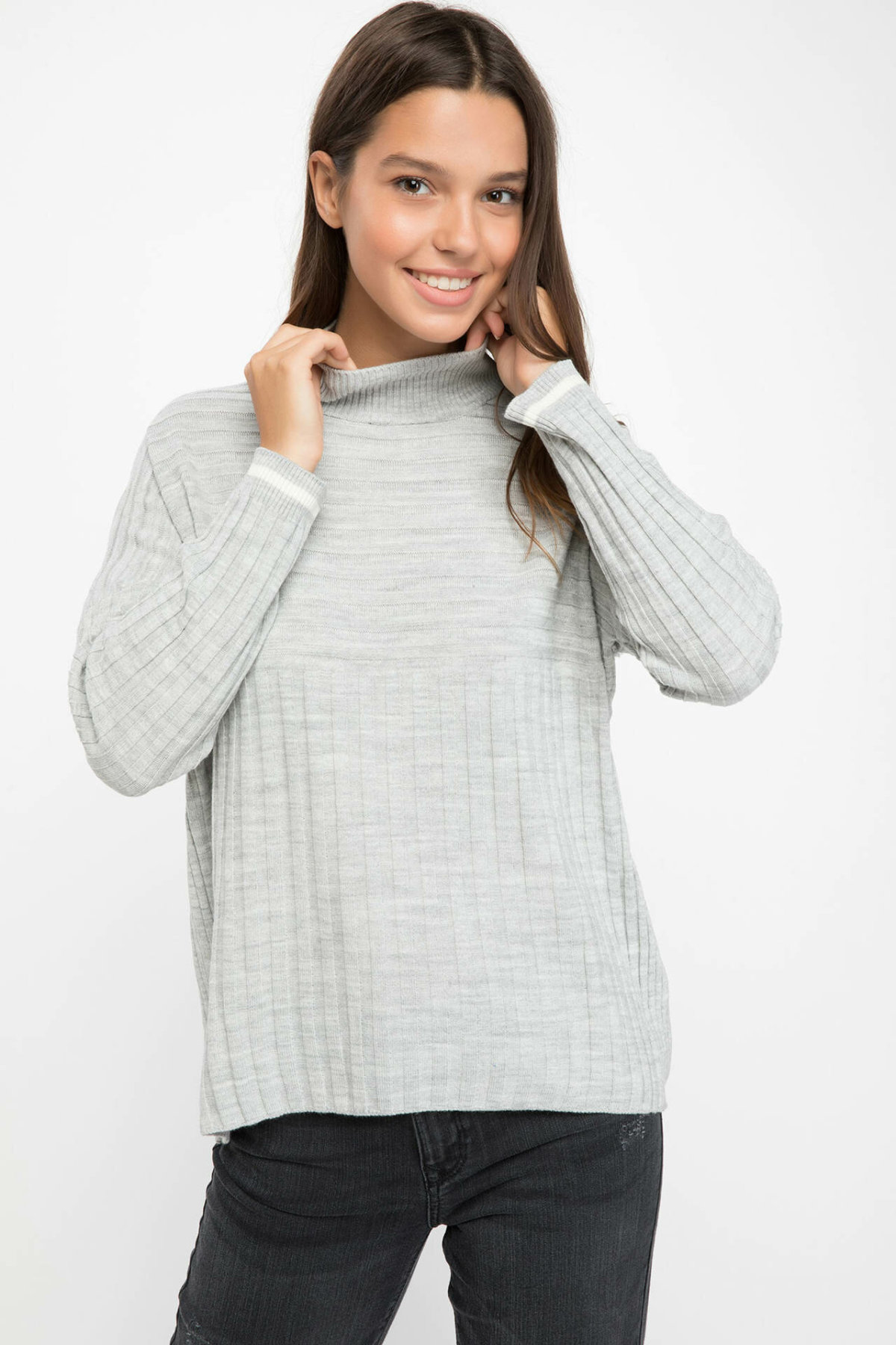 DeFacto Woman Simple Solid Turtleneck Pullovers Loose Long Sleeves Simple Casual Pullovers Women Autumn New - G2658AZ18AU