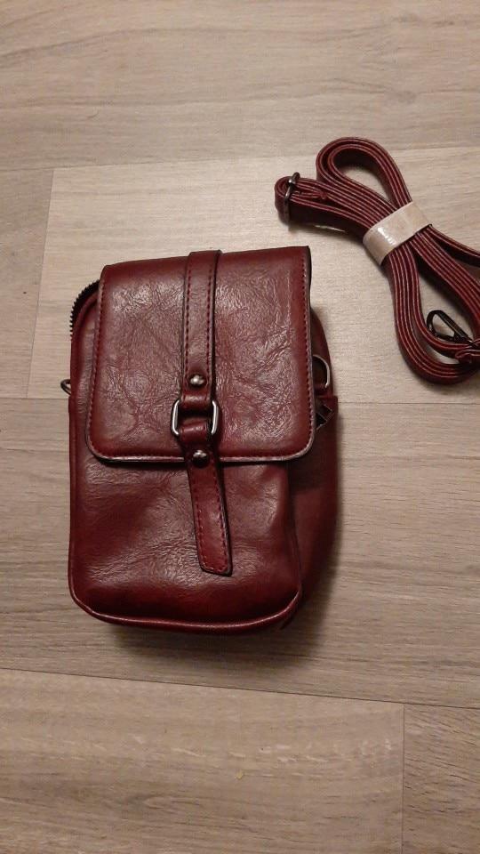 Petit sac à bandoulière en cuir souple multifonctionnel