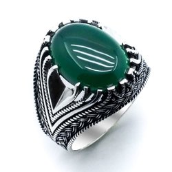 Мужское кольцо из 925 пробы серебра и зеленого Агата