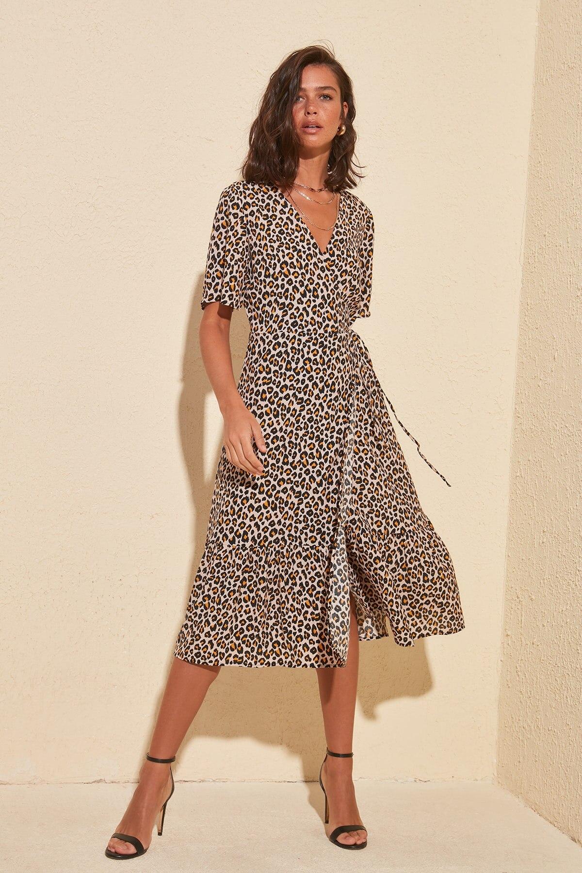Trendyol Leopard Print Double Breasted Dress TWOSS20EL0961