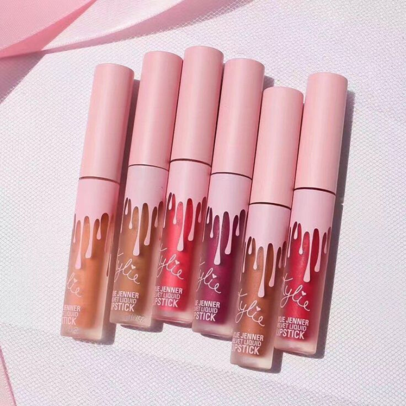 Set Of Kylie 6 Universal сенсационных Color Lipstick For губ. Will Fit Any тону Skin! Replica 1:1