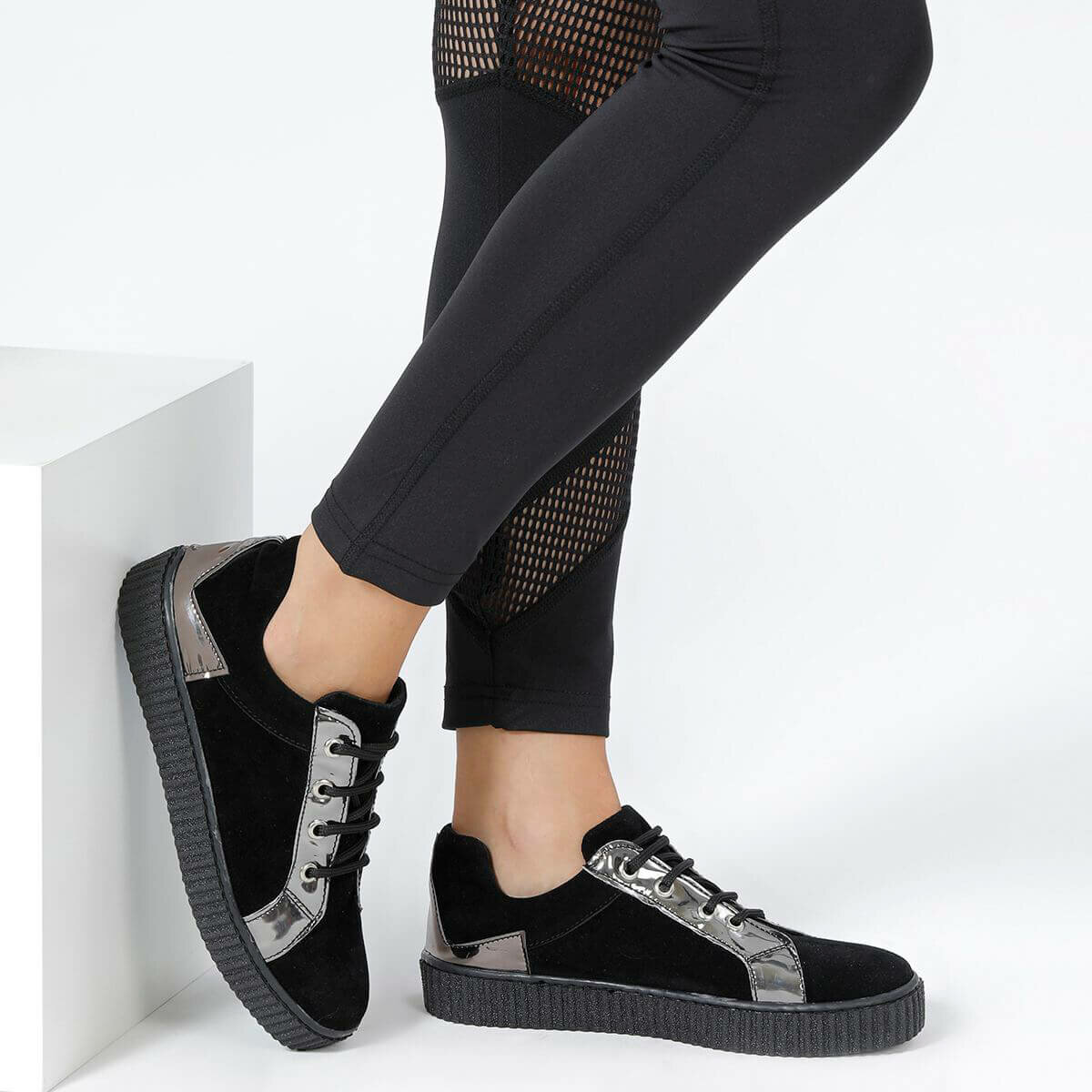 FLO SARAH87Z Black Women 'S Sneaker Shoes BUTIGO