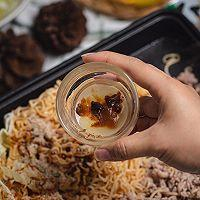 超级好吃的泰式小吃猪肉末炒方便面的做法图解13