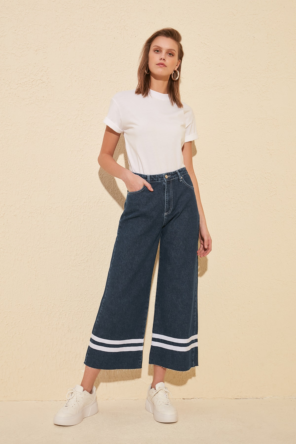 Trendyol Ribbon Detail High Waist Culotte Jeans TWOSS20JE0081