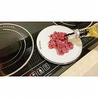 潮汕湿炒芥兰牛肉炒粿条的做法图解1