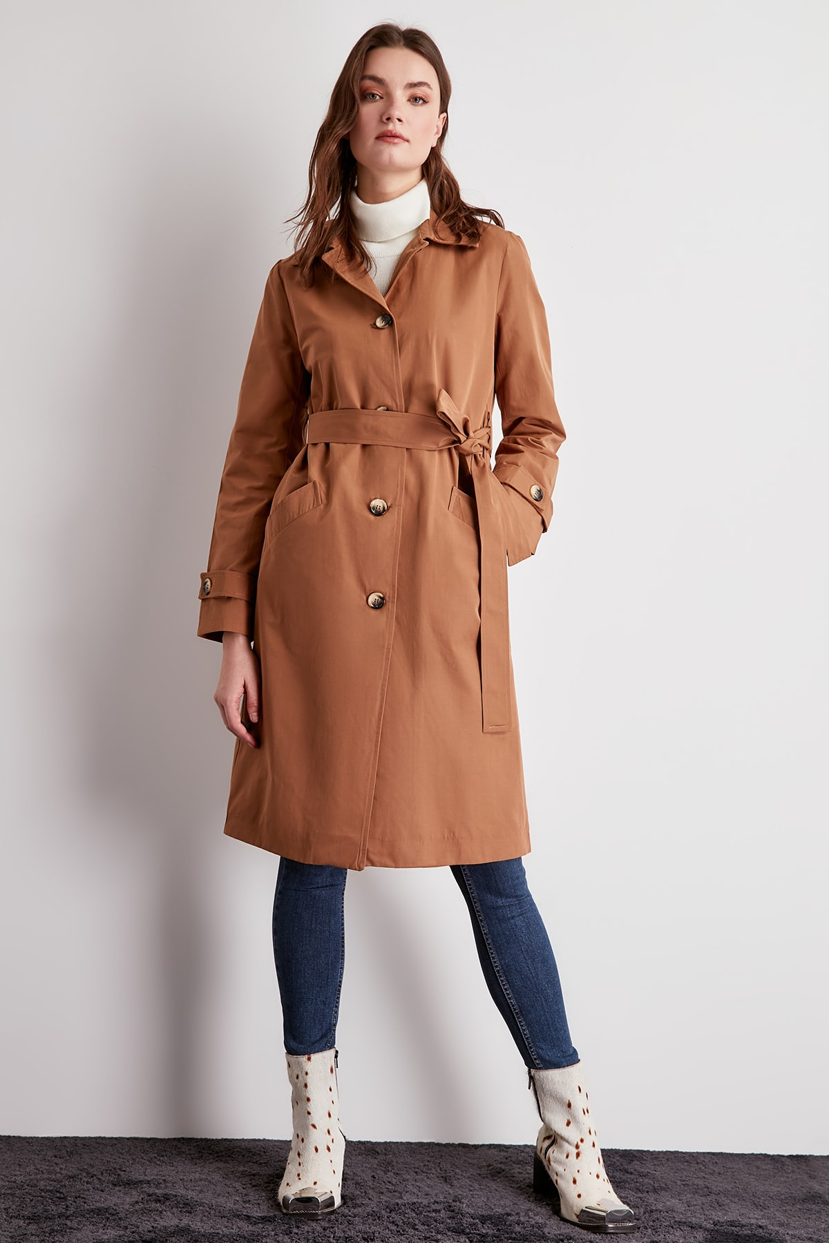 Trendyol Rear Ribbon Detail Arched Long Trench Coat TWOSS20TR0005