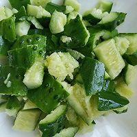 爽口海米黄瓜的做法图解2