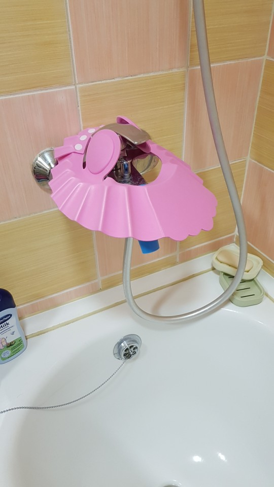 Adjustable Baby's Waterproof Safety Shower Cap photo review