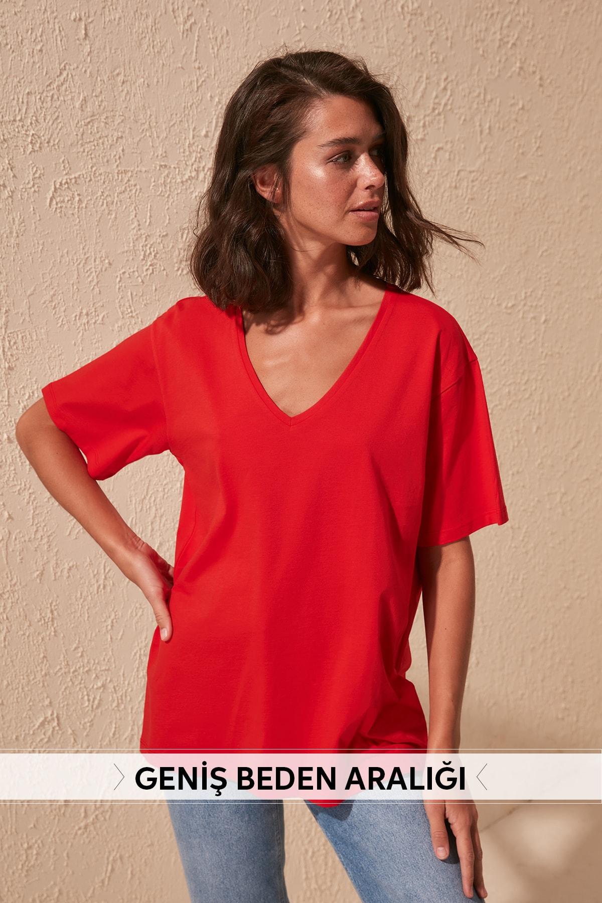 Trendyol 100 Cotton Single Jersey V-Neck Boyfriend Knitted T-Shirt TWOSS20TS0132
