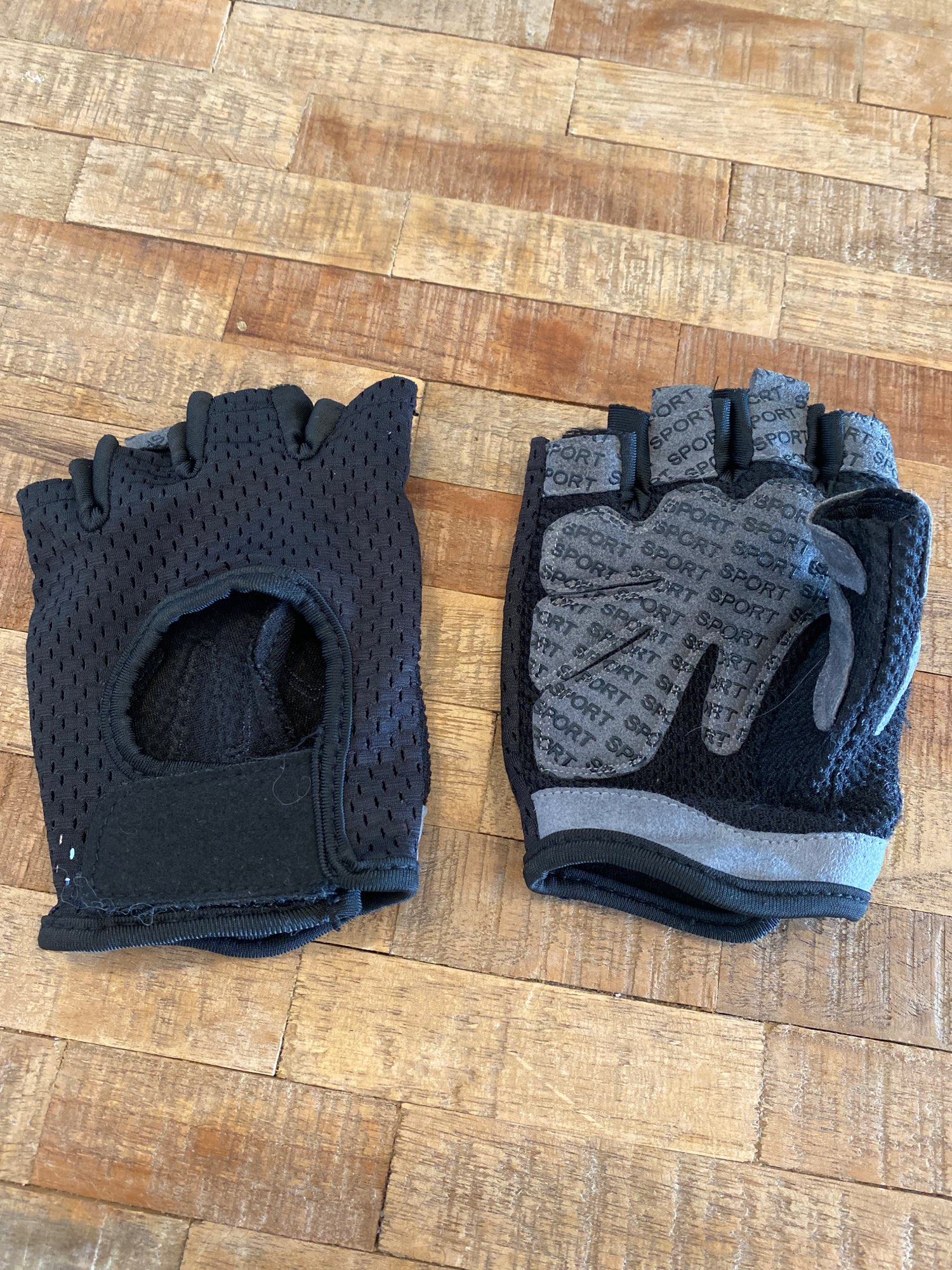 Anti-Spill Polyester Gloves photo review