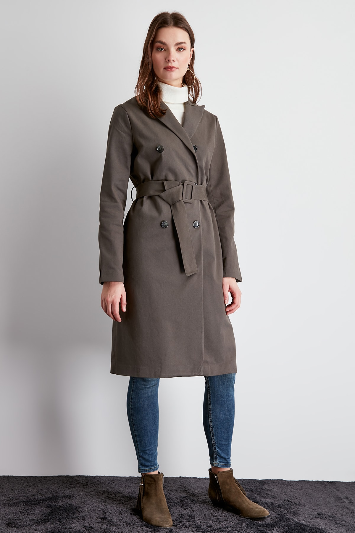 Trendyol Arched Button Closure Long Trench Coat TWOSS20TR0004