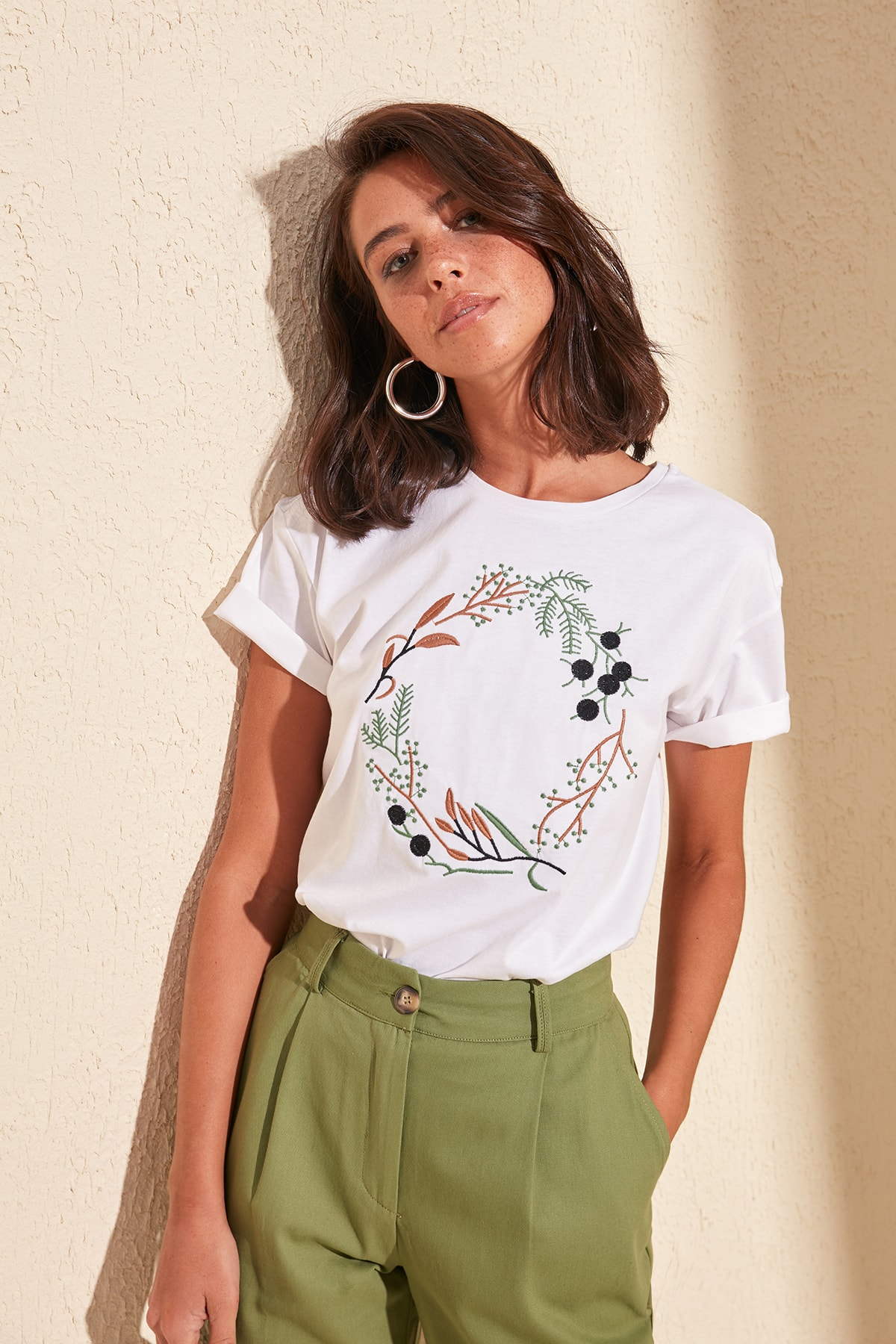 Trendyol Women's Summer Basic Cotton Casual T-Shirt White Embroidered Knitted  Streetwear Tops Women Basic Casual TShirt TWOSS19PB0018