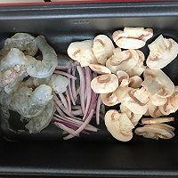 奶油虾仁蘑菇汤的做法图解2