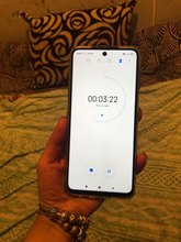 Отличный телефон, все соответствует описанию. В магазинах такой телефон продают на 5 тысяч дороже, все работает хорошо. Всем рекомендую, магазин супер!!!