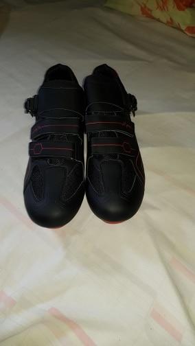 -- Estrada Sapatos Desporto