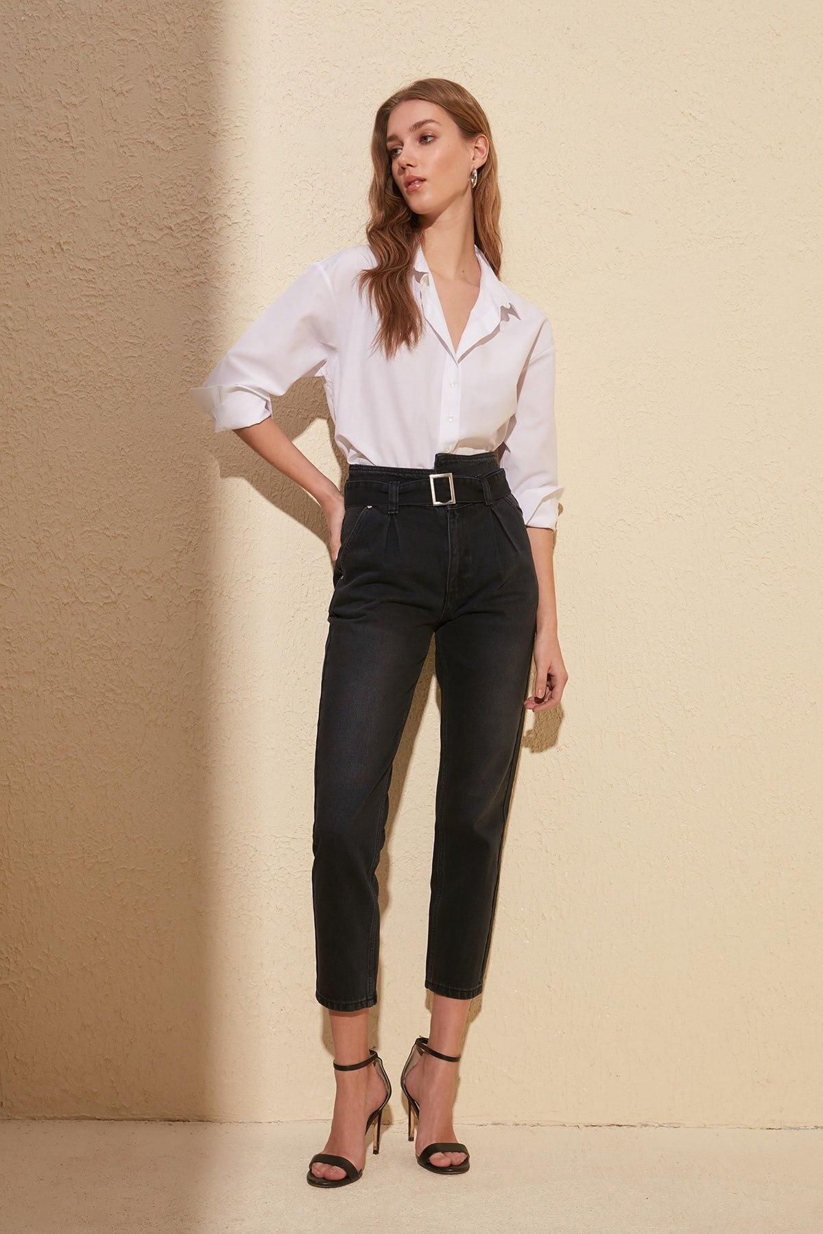 Trendyol Arch High Bel Mom Jeans TWOSS20JE0073