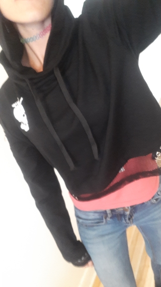 Gothic Cropped Hoodie with Skull Print photo review
