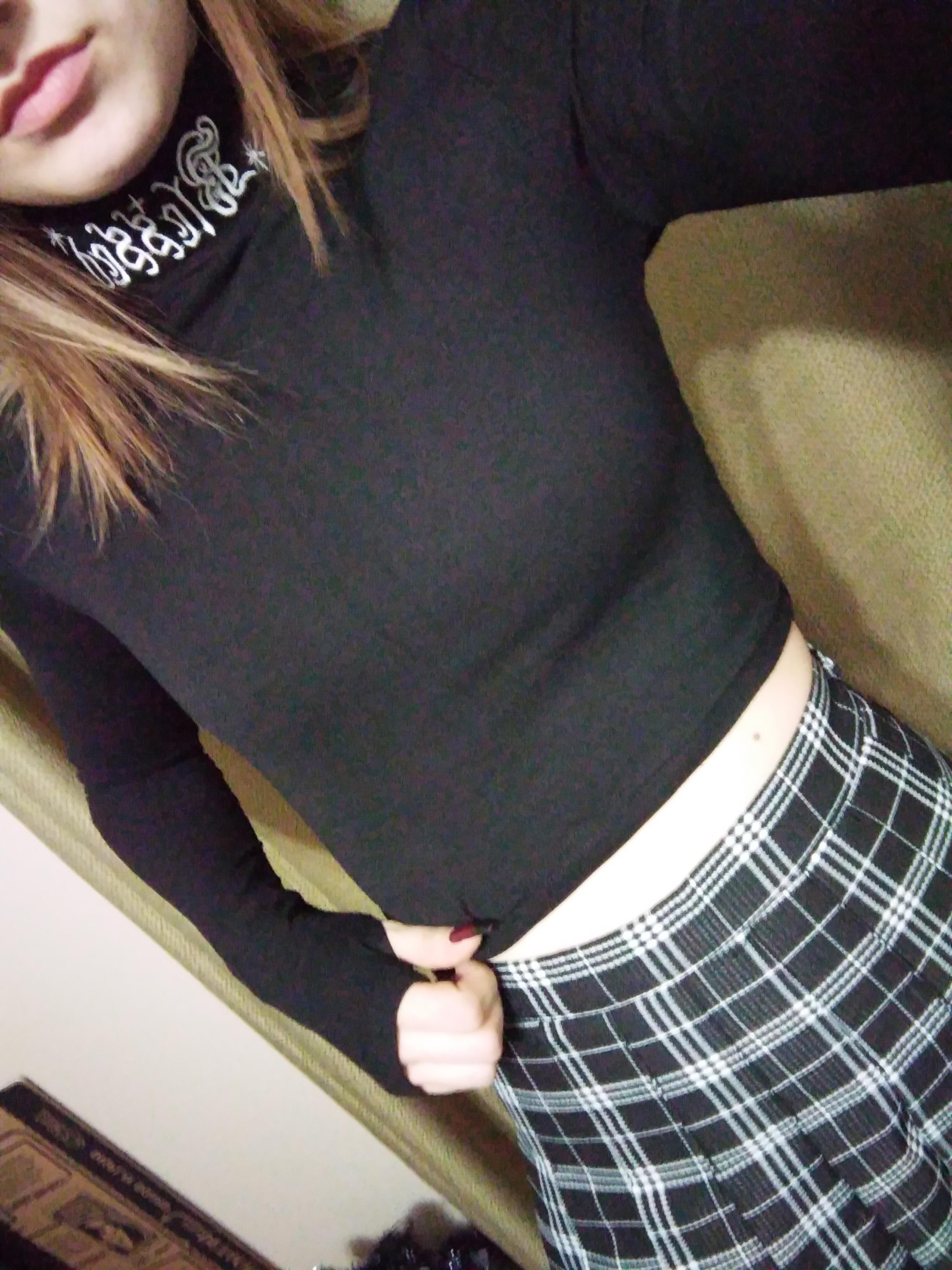 Black Bodycon Long Sleeve Crop Top E-girl photo review