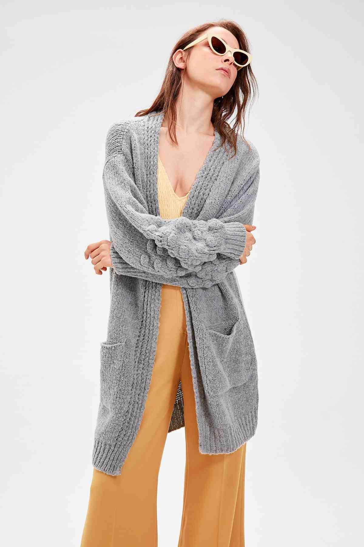 Trendyol Grigio Dettaglio Tasca Maglione Cardigan delle Donne TWOAW20FV0165