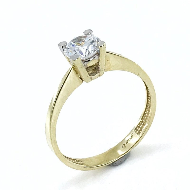 Classic 4 Nail 5 Mm Zircon Solitaire 8 K Gold Ring