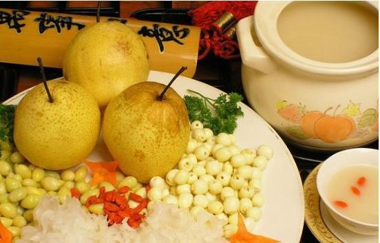 秋天进行食用梨对于人体的好处 常见吃梨的方式介绍-养生法典
