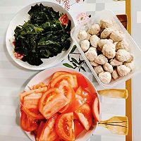 西红柿裙带菜鱼丸汤的做法图解1
