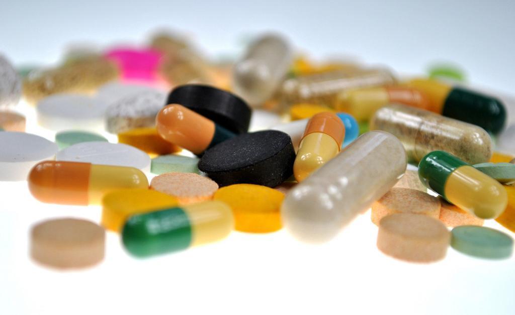 在食用钙片的时候能不能将降压药一起食用-养生法典