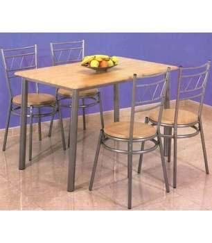 Conjunto de mesa y cuatro sillas color miel