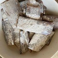 外酥里嫩的炸带鱼简单易做,无敌好吃❗️的做法图解5