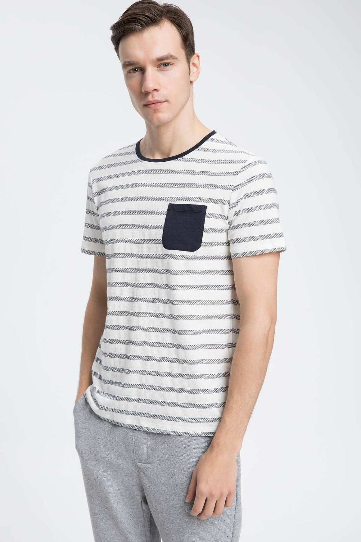 DeFacto Man Casual Striped White Knitted Tops Set Men Pocket Decors T-Shirts Male Top Cloth-K2390AZ19SP