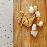 芹菜炒豆干的做法图解3