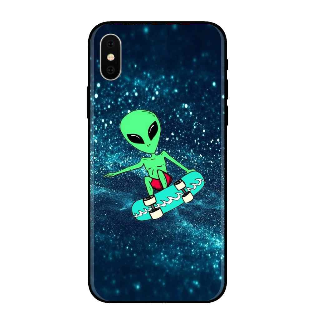 สุนทรียศาสตร์น่ารักการ์ตูน alien space นุ่มซิลิโคนโทรศัพท์กรณีสำหรับ iphone ของ Apple iphone 5 5s Se 6 6s 7 8 Plus X XR XS MAX