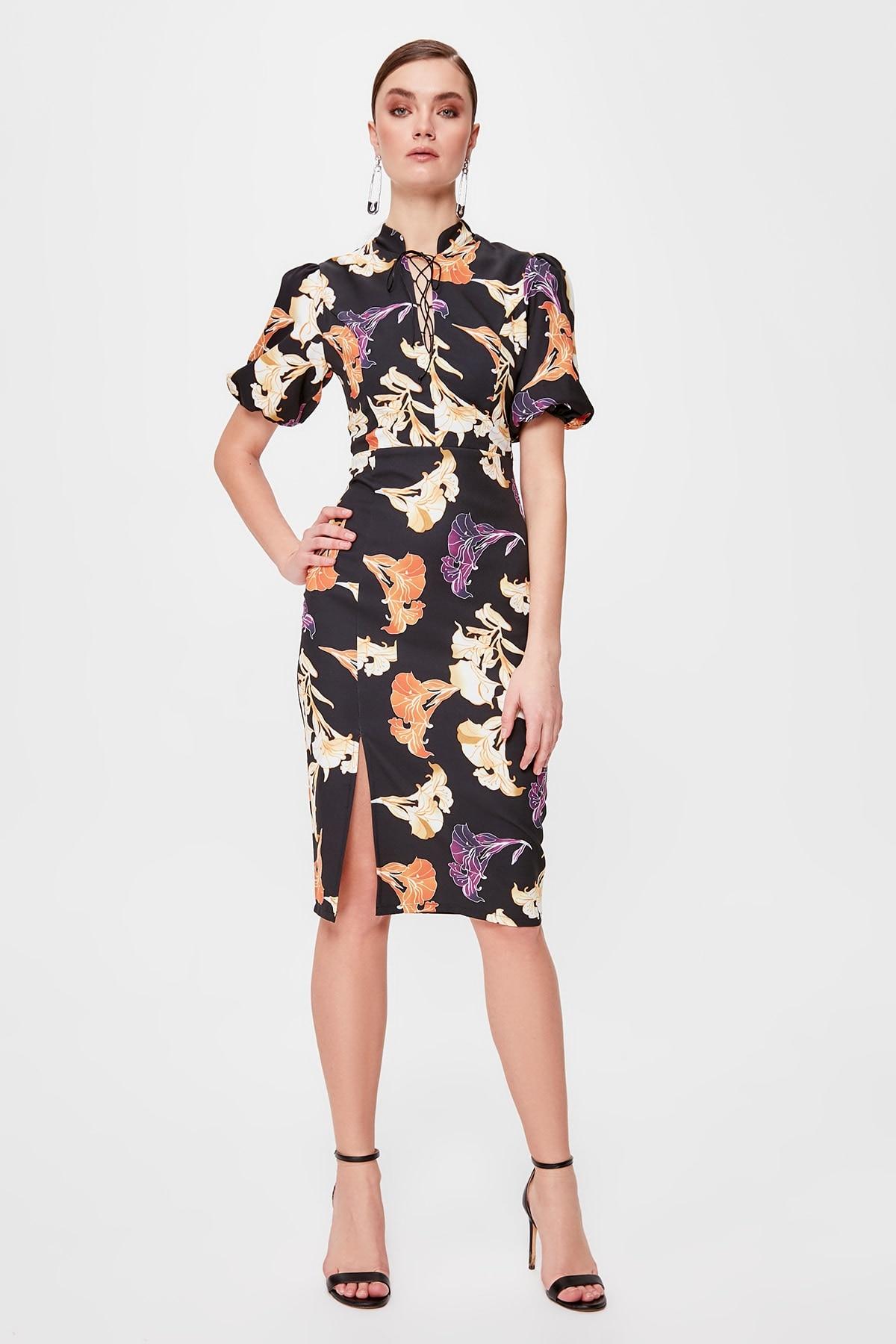 Trendyol Flower Decorated Dress TPRSS20EL0211