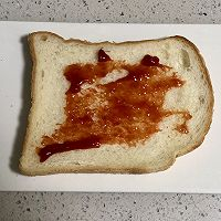 蟹柳鸡蛋芝士三明治的做法图解3