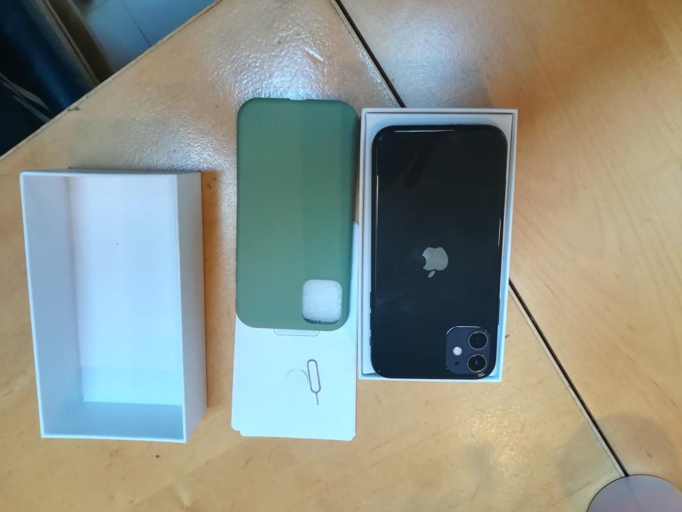 "Original desbloqueado Apple iPhone 11 teléfono móvil 6,1 ""pulgadas de la pantalla OLED/64/128/256GB ROM IOS Hexa Core A13 4G LTE"