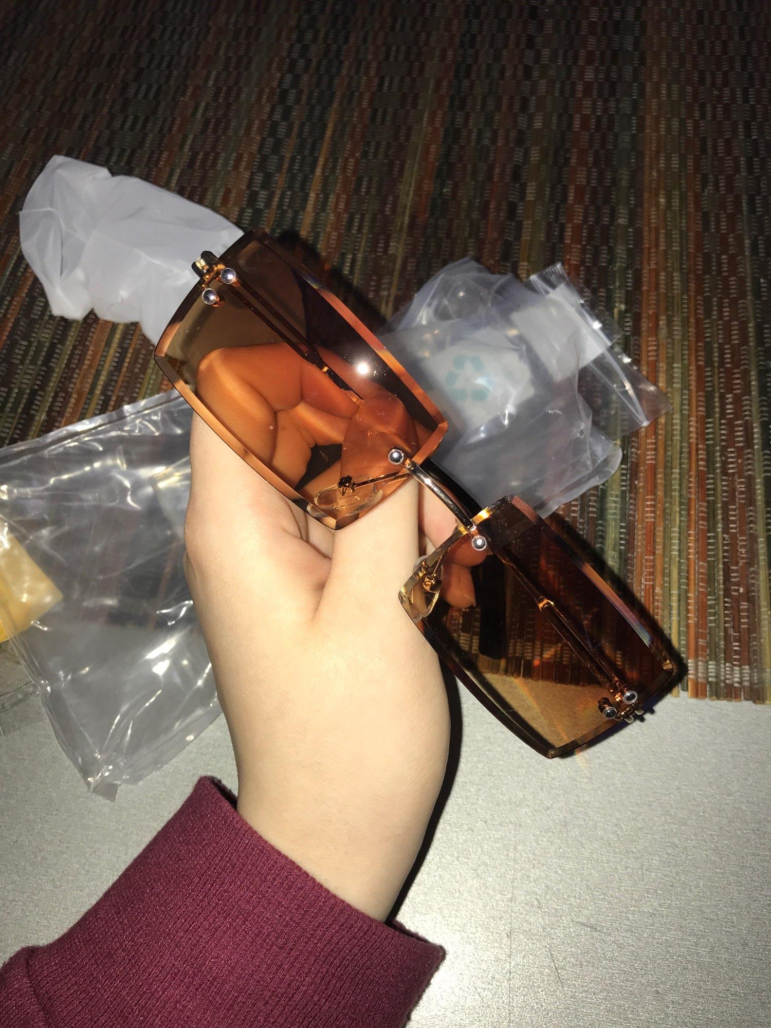 ZXRCYYL Frameless Rimless Retro Designer Gradient Sunglasses for Women photo review