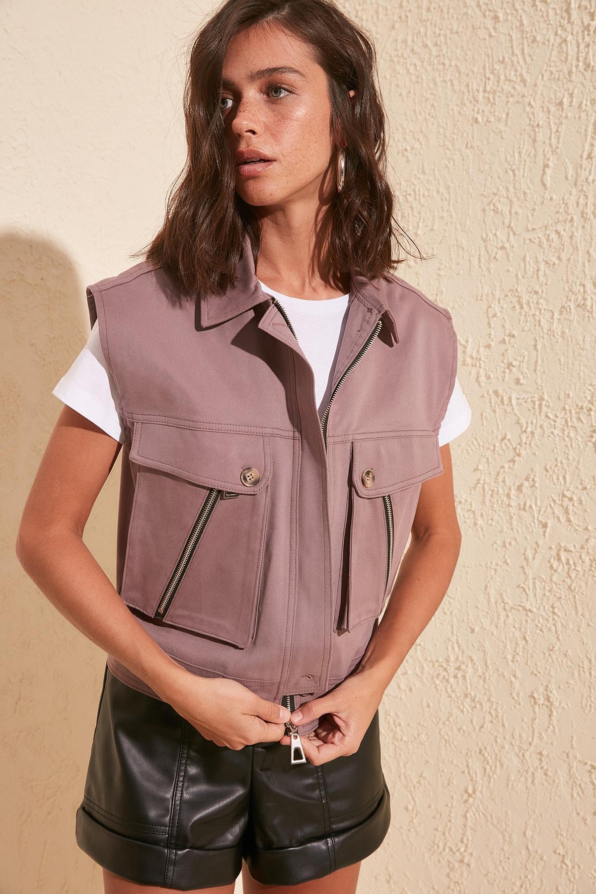 Trendyol Stone Pocket Detail Vest TWOSS20YE0006