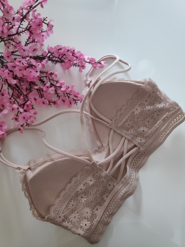 Women Lace Bra Sets Seamless Underwear Backless Vest Sexy Panties Padded Female Intimates Bralette Lingerie Ultrathin Briefs photo review
