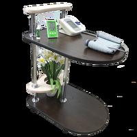 Небольшой стол на колесиках