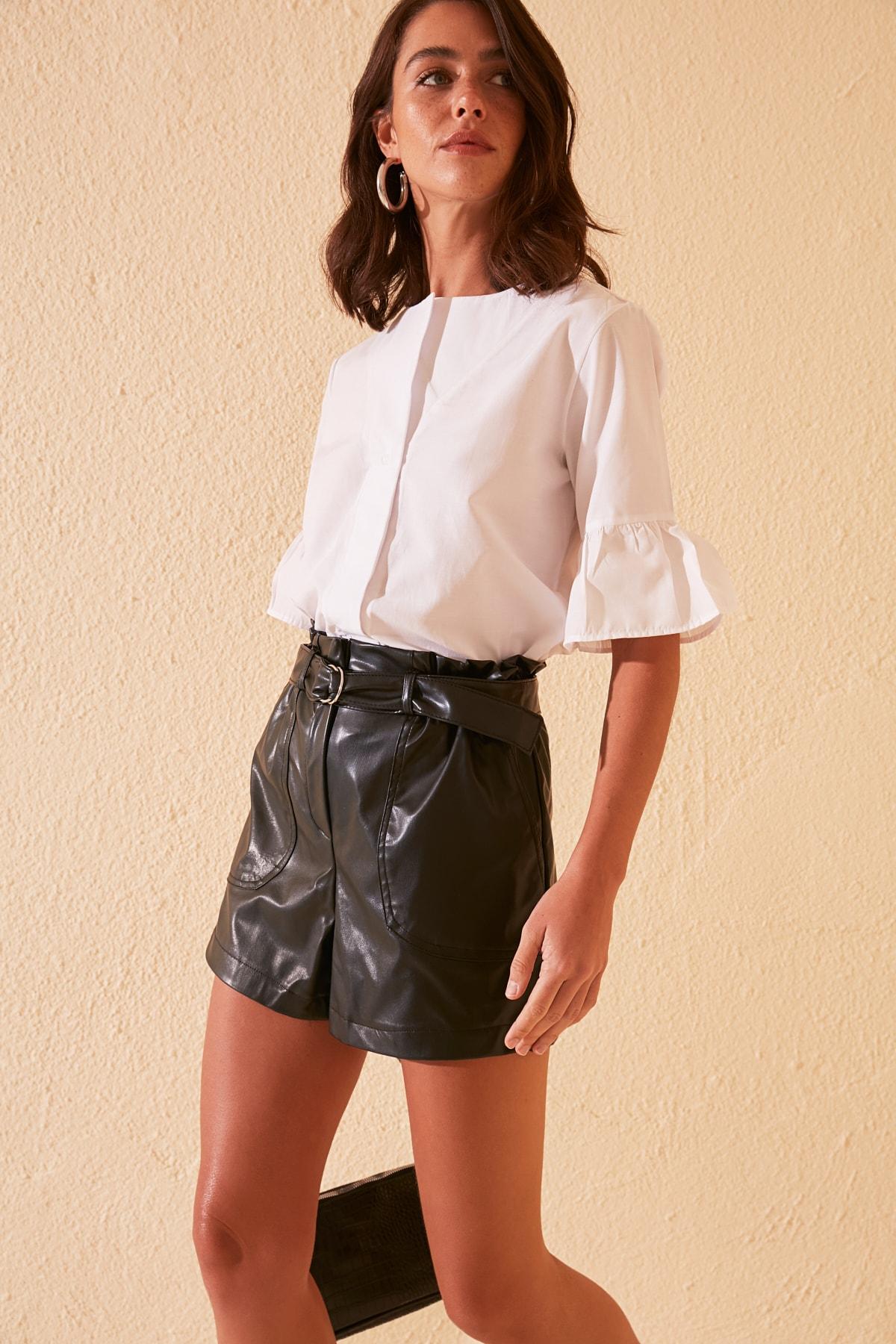 Trendyol Belt Detail Shorts & Bermuda TWOSS20SR0175