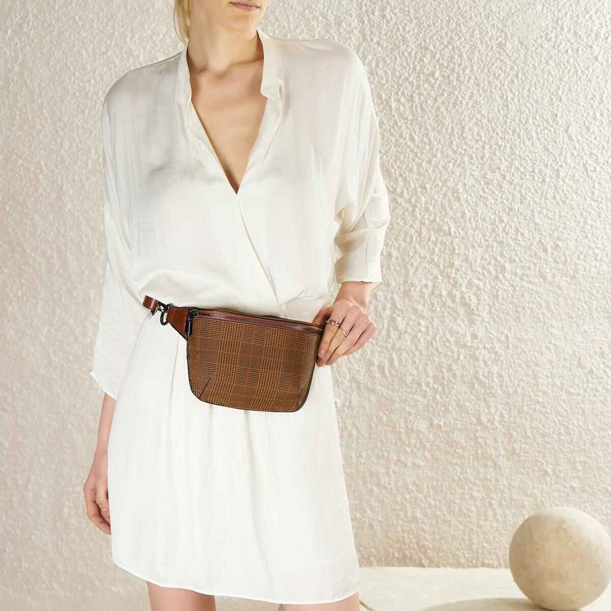 FLO TMK19033 17Z Tan Women 'S Waist Bag BUTIGO