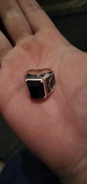 Chevaliere homme en argent avec onyx naturelle noir