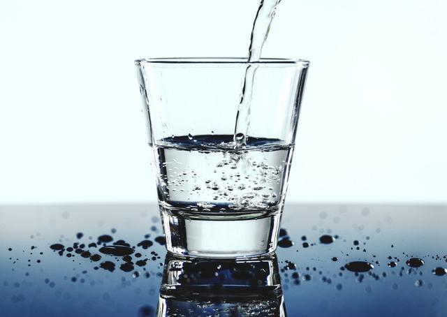 夏天喝什么水的排毒养颜祛痘效果好-养生法典