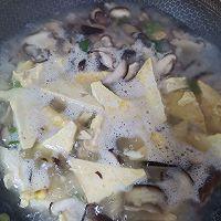 香菇豆腐素汤的做法图解7